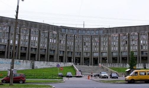 Город выделит деньги на ремонт больницы