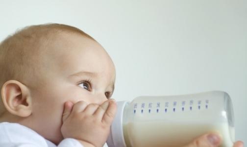 Почти половина детей в России рождаются больными