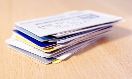 Федеральный фонд ОМС запретил выдавать новые медицинские полисы