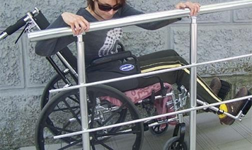 Инвалидов переселят на нижние этажи, а в домах установят пандусы