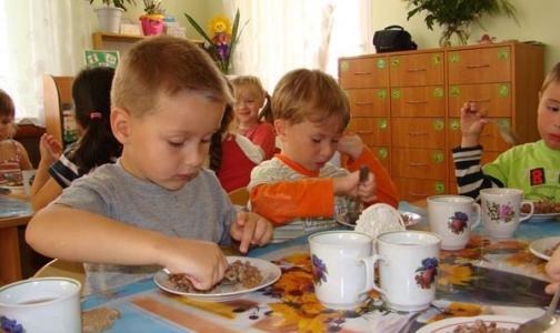 На питание в школах и детских садах прокуратуре пожаловались 62 человека