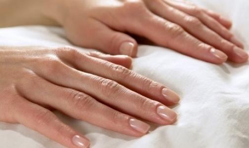 По ногтям на руках можно поставить диагноз