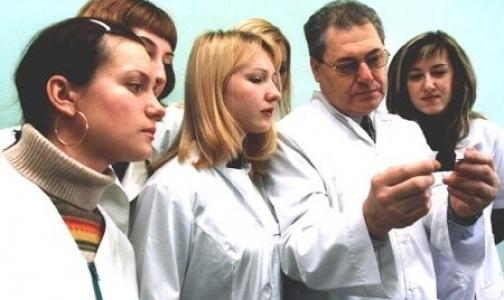 Минздрав вынуждает выпускников работать в поликлиниках