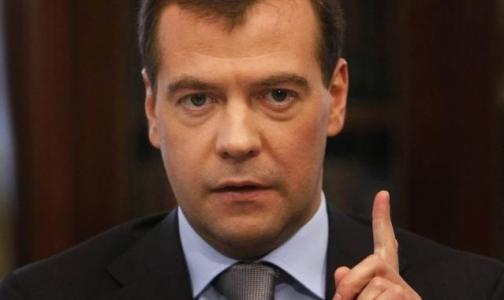 Медведев пообещал, что в случае кризиса расходы на здравоохранения не сократятся