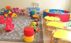 В детских садах Петербурга прокуратура нашла просроченные лекарства, грязную посуду и повара без медкнижки
