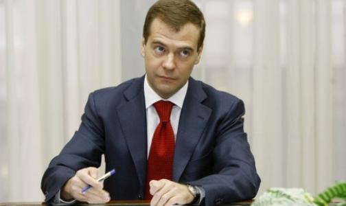 Медведев заявил, что в России необходимо расширить роль медицинского сообщества