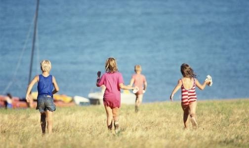 Роспотребнадзор: несоответствующие требованиям детские лагеря должно выкупать государство