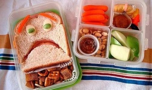 Онищенко призывает родителей собирать детям в школу «душевные» завтраки