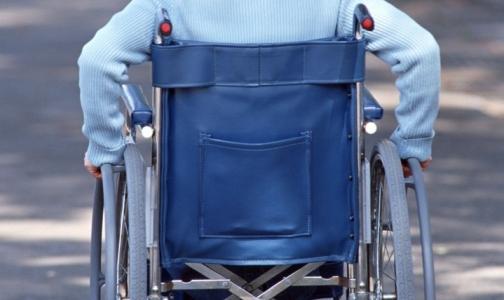 Петербург нашел 18,5 миллионов рублей на оплату сиделок для ветеранов и инвалидов