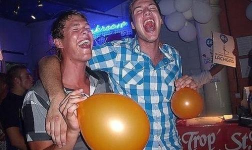 «Веселящий газ» может официально стать наркотиком