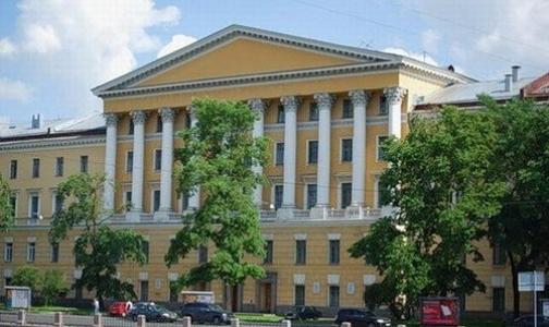 Министр обороны приостановил перенос ВМА из центра Петербурга