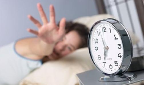 Медики назвали самые странные вещи, которые люди делают во время сна
