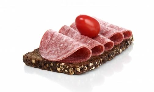В колбасе из петербургских магазинов нашли незаявленные ингредиенты