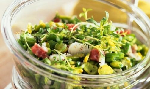 Четыре человека заразились сальмонеллезом, съев салат из «Карусели»