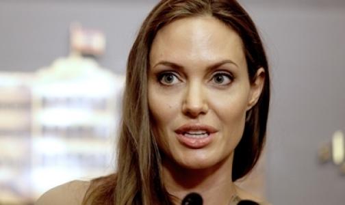 Анжелине Джоли предстоит новая операция