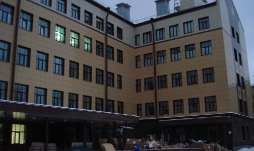 Беременных петербурженок сегодня начали бесплатно принимать в новом перинатальном центре