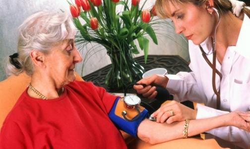В 2014 году ухаживать за пациентами на дому будут сиделки из пяти петербургских организаций