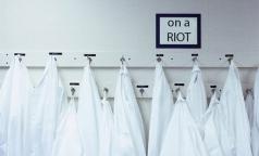 Врачи петербургской клиники объявили голодовку