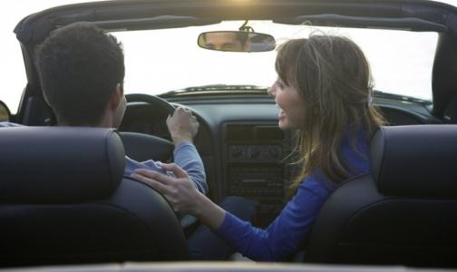 Дальтоникам и имеющим проблемы со зрением разрешат водить машину