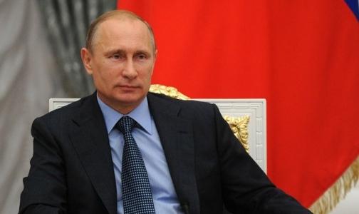 Путин: Государству нечего стесняться сверхурочной работы врачей