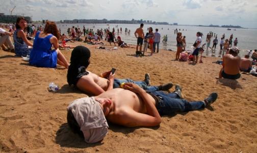 Отдых на пляже обернулся для петербуржца госпитализацией в НИИ скорой помощи