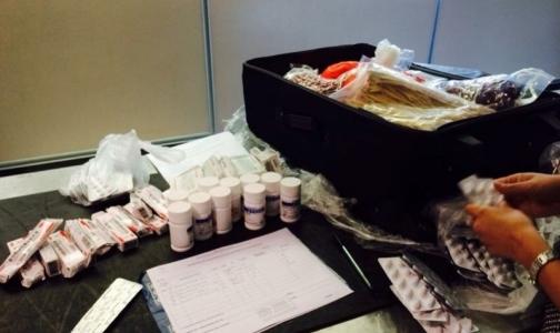 Интерпол обнаружил в Петербурге интернет-аптеки, торгующие сомнительными лекарствами