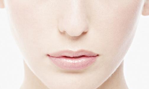 На позвоночнике американки вырос нос