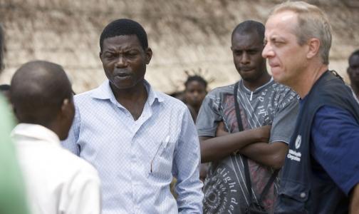 Прилетающим из Африки по поручению Минздрава меряют температуру