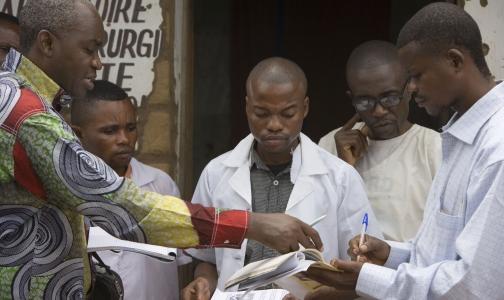 Лихорадку Эбола оценили в 1 млрд долларов
