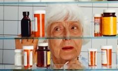 Фармпросвет: Почему у пожилых лекарства вызывают побочные эффекты без лечебного