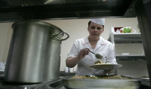 Прокуратура обнаружила, что в 19 детских садах Петербурга плохо кормят