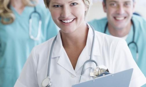 Врачей и работников регистратур научат вести себя вежливо
