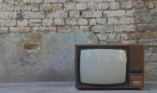 Психиатры Петербурга: чтобы не страдала психика, выключите телевизор