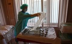 Петербургский врач рассказал, стоит ли удалять яичники по примеру Анджелины Джоли