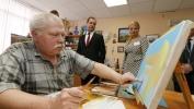 Дмитрий Медведев посетил центр социальной реабилитации инвалидов в Пушкине: Фоторепортаж