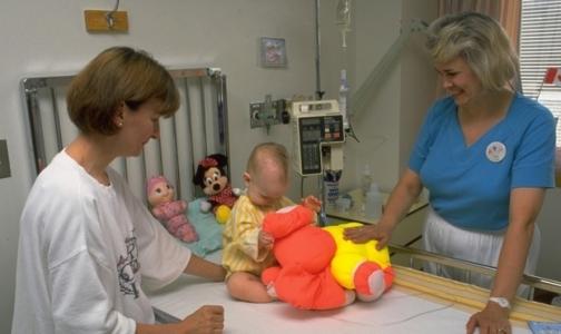 Минздрав: Родителей должны пускать в реанимацию к детям