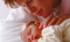 Новорожденным продлили право на получение медпомощи по полису мамы на 30 дней