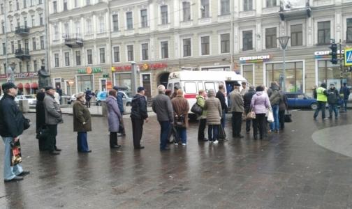 Еще в одном районе Петербурга начали делать прививки от гриппа у метро