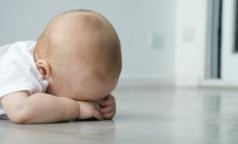 Из-за спешки хирурга младенец получил ожог лица во время электрокоагуляции