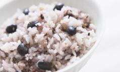 Роскачество нашло в рисе химикаты и живых паразитов
