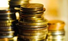 Росстат сообщил о росте зарплат чиновников Минздрава и Росздравнадзора