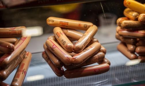 Половину молочных сосисок из петербургских магазинов признали фальсификатом