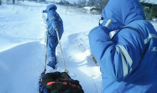 Пенсионер с инфарктом, которого медики «Скорой» тащили по снегу на носилках, умер в больнице