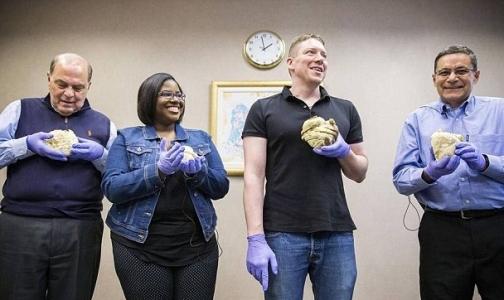 Пациенты больницы в Техасе могут подержать свое сердце в руках