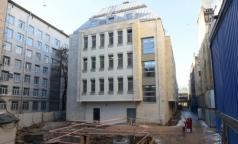 В новом корпусе Мариинской больницы заканчивают отделку