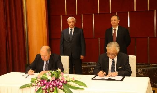 Губернатор предложил китайцам заняться реабилитацией пациентов онкоцентра в Песочном