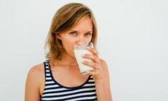 Ученые выяснили, чем грозит увлечение заменителями молока