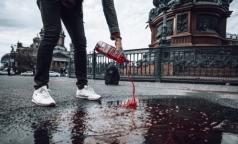 «Фонд Доноров» окрасил петербургские лужи в цвет крови