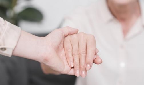 Пациентов с ревматоидным артритом надо лечить, не дожидаясь инвалидности