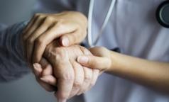 Пожилая петербурженка получила инвалидность после проведенной в медцентре колоноскопии